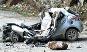 Ôtô bị đá đè bẹp nát, tài xế tử vong