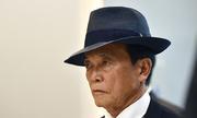 Bộ trưởng giàu nhất Nhật Bản trả lại tiền lương một năm
