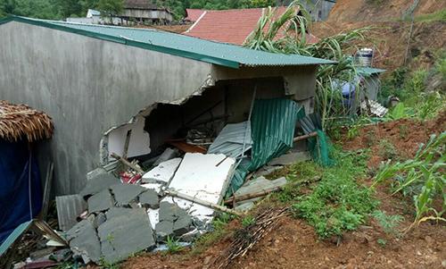 Hiện trường vụ tai nạn khiến bé gái ba tuổi thiệt mạng. Ảnh: L.S.