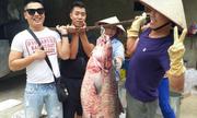 Người dân bắt được cá trắm đen 'khủng' ở Yên Bái