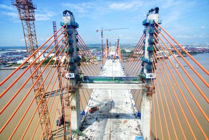 Cầu Bạch Đằng nối Hải Phòng với Quảng Ninh sắp hoàn thiện