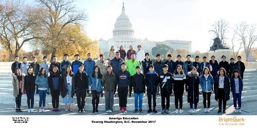 Học sinh tốt nghiệp có cơ hội được nhận vào các trường đại học lớn của Mỹ.