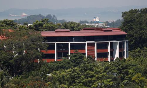 Khách sạn Capella trên đảo Sentosa ở Singapore. Ảnh: Reuters.