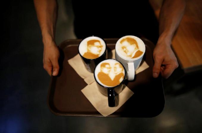 Cà phê hình Kim-Moon ở Hàn Quốc