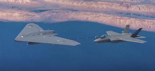 Mỹ đang tập trung vào UAV tiếp dầu cho tiêm kích trên hạm. Ảnh: Lockheed Martin.