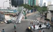 Giông lốc quét qua Sài Gòn, cây đổ đè nhiều ôtô