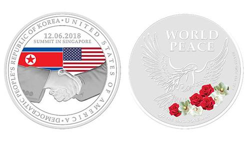 Mẫu huy chương mạ bạc được Singapore phát hành để kỷ niệm cuộc gặp Trump - Kim. Ảnh:Singapore Mint