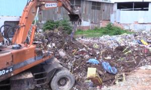Bình Dương phát hiện cơ sở chôn lấp 80 tấn rác thải công nghiệp