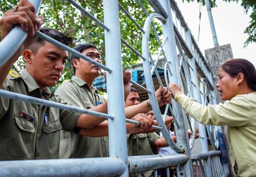 Chỉ những người có thư mời mới được gặp lãnh đạo Ban tiếp công dân Trung ương. Ảnh: Thành Nguyễn.