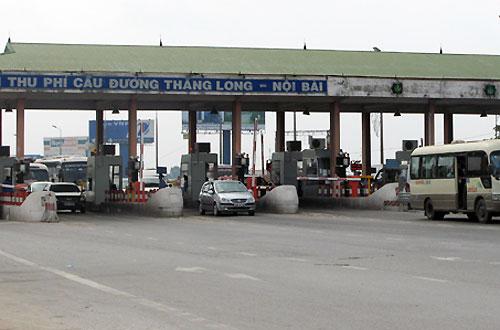 Trạm thu phí Bắc Thăng Long có lưu lượng phương tiện qua lại lớn. Ảnh: Xuân Hoa