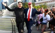 Bản sao Trump - Kim gây náo loạn ở Singapore