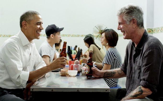 Cuộc đời của đầu bếp từng ăn bún chả ở Hà Nội với Obama