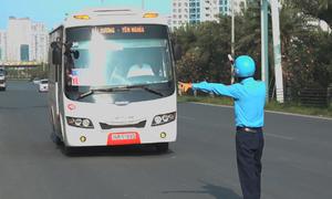 Hà Nội xử lý nhiều phương tiện đón trả khách trên đại lộ Thăng Long