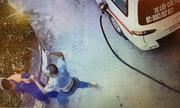 Tài xế xe cứu thương đánh nhân viên cây xăng