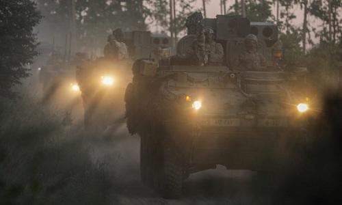 Thiết giápStryker của Mỹ hành quân tại Litva. Ảnh: Defence Blog.