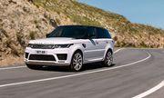 Ở miền núi nên mua Land Cruiser hay Range Rover Sport?