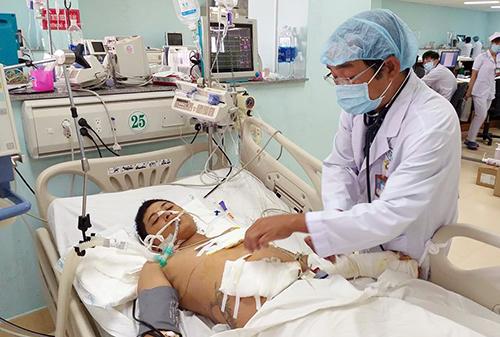Bệnh nhân Hải được cứu sống kịp thời khi bị đâm thủng tim. Ảnh: Hòa Long