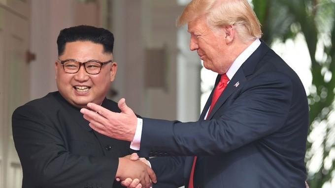 Những cái bắt tay của Trump - Kim ở Singapore