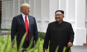 Trump khen Kim Jong-un 'tài năng, thông minh'