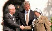 Những cái bắt tay làm thay đổi lịch sử thế giới