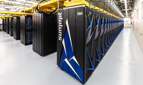Summit vượt quaSunway TaihuLight trở thành máy tính nhanh nhất thế giới. Ảnh:Engadget.