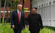 Những khoảnh khắc ngoài kịch bản trong cuộc họp Trump - Kim