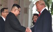 Người phụ nữ duy nhất theo sát toàn bộ cuộc gặp Trump - Kim