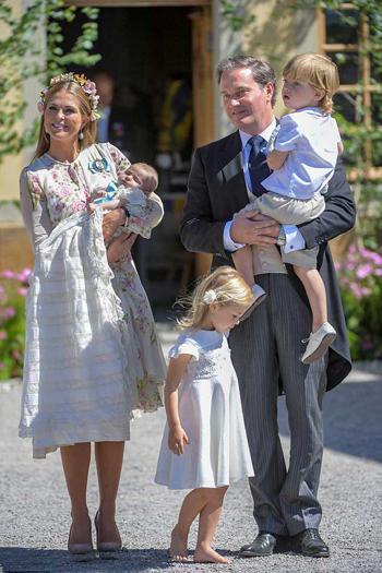 Gia đình Công chúa Madeileine. Ảnh: Reuters.