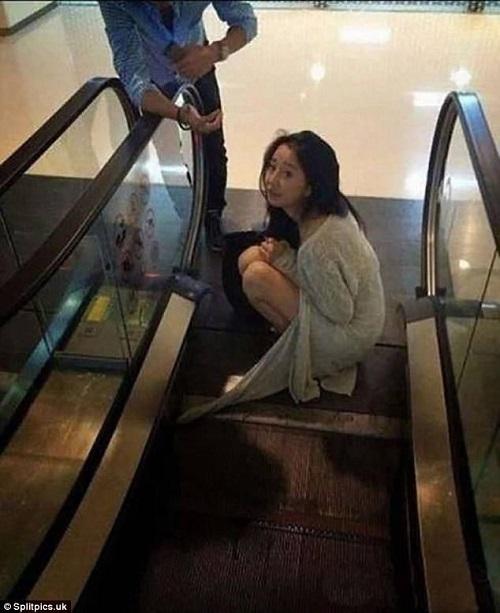 Người đẹp gặp họa vì váy áo.