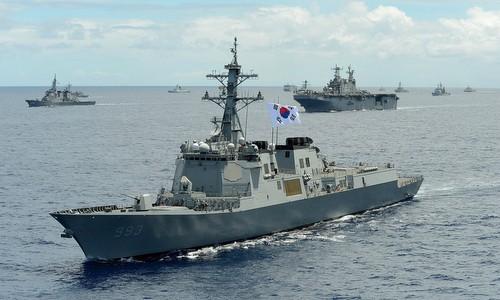 Tàu chiến Hàn Quốc tham gia tập trận trên Thái Bình Dương năm 2014. Ảnh: ROKN.
