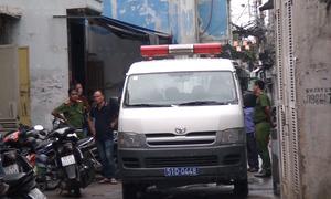 Hai cha con tử vong trong nhà khóa trái cửa ở Sài Gòn
