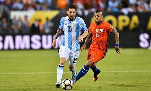 Một pha bóng trong khuôn khổ giải Copa America. Ảnh: AFP.