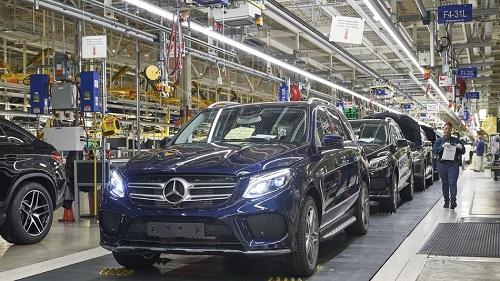 Nhiều hãng xe Đức đặt các nhà máy lớn tại Mỹ, tạo công ăn việc làm. Ảnh: Mashable.