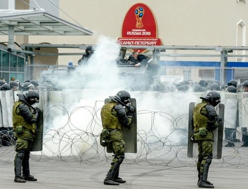 Cảnh sát chống bạo động huấn luyện tại Saint Petersburg tháng 3/2018. Ảnh: AFP.