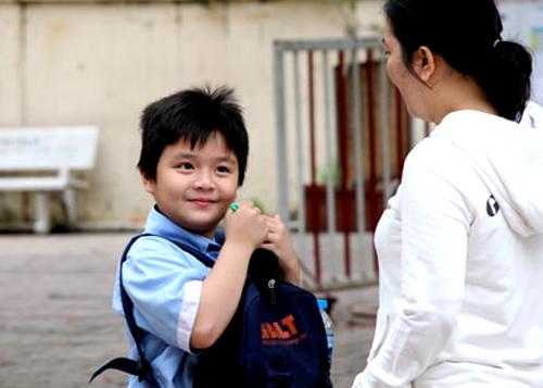 Một nam sinh trước giờ làm bài khảo sát tại THCS Trần Văn Ơn. Ảnh: Mạnh Tùng.
