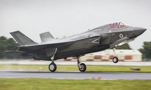 Tiêm kích F-35B được Mỹ bàn giao cho Anh hồi đầu tuần. Ảnh: Telegraph.