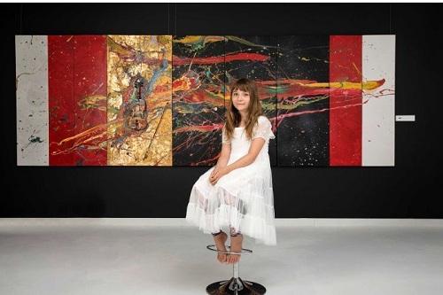 Tranh của Aelita đã được trưng bày ở khoảng 25 triển lãm quốc tế. Ảnh: ABC TV