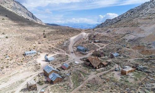 Toàn cảnh thị trấn Cerro Gordo. Ảnh: CNN.