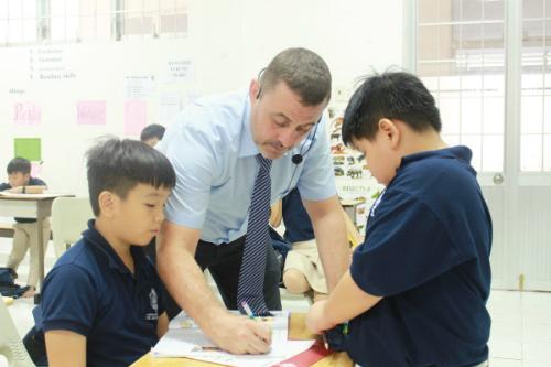 Học sinh của trường quốc tế UK Academy được học tập trong môi trường hiện đại, năng động.