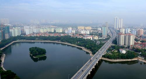 Chủ tịch Hà Nội cho rằng xây dựng nhà cao tầng là xu thế tất yếu tại nhiều đô thị phát triển. Ảnh: Bá Đô.