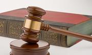 Nếu rút đơn kiện thì người gây sai phạm có còn bị xử lý?