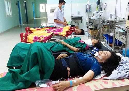Nạn nhân đang được điều trị tại bệnh viện Đa khoa tỉnh Kon Tum. Ảnh: Việt Hiến