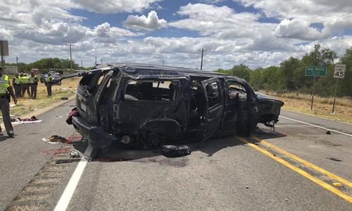 Hiện trường vụ tai nạn trên đường cao tốc số 85 tại thành phố Big Wells, bang Texas hôm 17/6. Ảnh: KABB/WOAI.