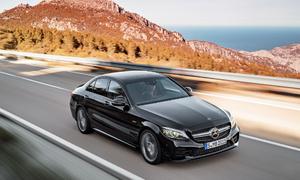 Hãng mẹ Mercedes bị buộc triệu hồi 774.000 xe vượt mức khí thải