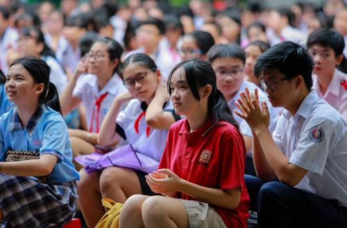 Học sinh trung học tại TP HCM. Ảnh: Thành Nguyễn.