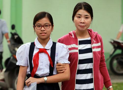 Thí sinh dự thi vào lớp 6 trường THPT chuyên Trần Đại Nghĩa ngày 14/6. Ảnh: Quỳnh Trần.