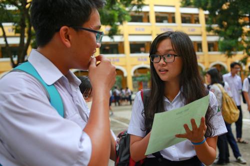 Học sinh TP HCM dự thi tuyển sinh vào lớp 10. Ảnh: Thành Nguyễn.