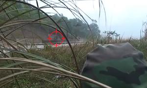 10 km theo dấu nghi phạm cõng bao tải ma túy từ Lào vào VN