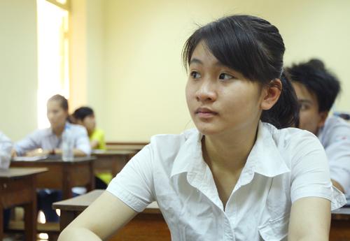 Thí sinh chuẩn bị làm bài thi THPT quốc gia năm 2016. Ảnh:Giang Huy.