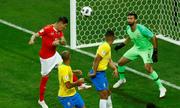 Bàn thắng Thụy SÄ vào lÆ°á»i Brazil không Äược tính nếu trá»ng tài áp dụng VAR